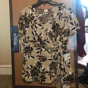 Covington Woman dressy top.  NWT.  Size 16W